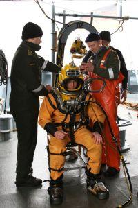 Helmtaucher der Marine