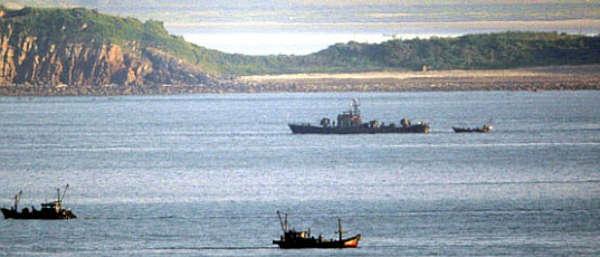 Marineforum - nordkoreanische Seepatrouille an der NLL (Foto:  MoDROK)