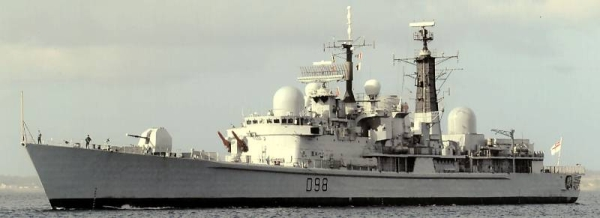 Marineforum - Britischer Zerstörer YORK (Foto: Bernard Prezelin)