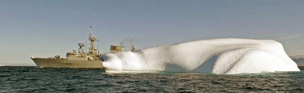 Marineforum - kanadische Fregatte bei Arktisoperationen (Foto: kanad. Marine)Fregatte