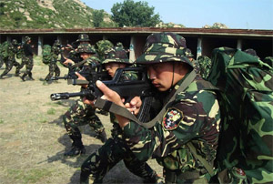 Sinodefence - PLA SOF Training: PLA SOF, like their counterparts around the world, emphasizes superior physical fitness and small-arms proficiency in their soldiers (Source: Chinese Internet)