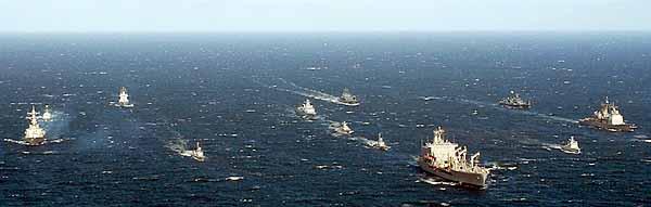 Marineforum - BALTOPS-Einheiten beim Fototermin (Foto: US-Navy)