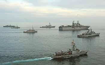 Marineforum - PANAMAX-Teilnehmer (Foto: US-Navy)