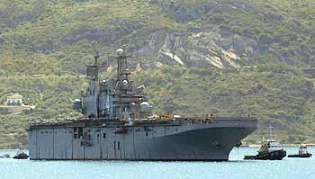 Marineforum - NASSAU läuft zu PE 08 in Souda Bay ein (Foto: US-Navy)