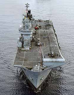 Marineforum - ILLUSTRIOUS (Foto: US-Navy)