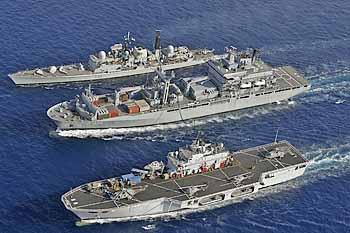 Marineforum - RGV bei Versorgung in See (Foto: PIZM)