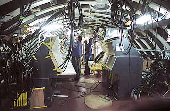 Marineforum - OPZ eines U 212A im Bau (Foto: HDW)