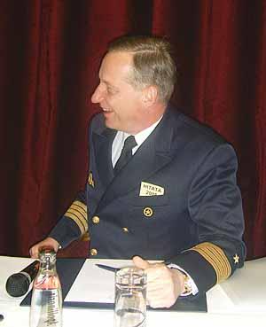 Marineforum - Kapitän zur See Karsten Schneider