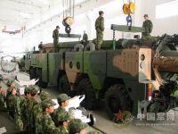 Sinodefence - Loading Missile onto DF-25 TEL