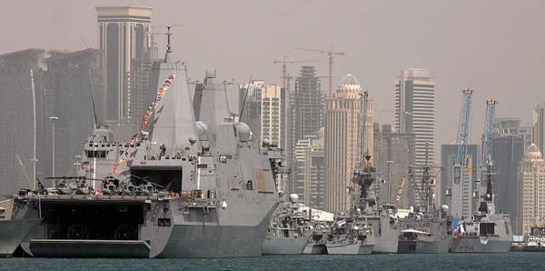 Marineforum - Besucher in Doha (Foto: Michael Nitz)