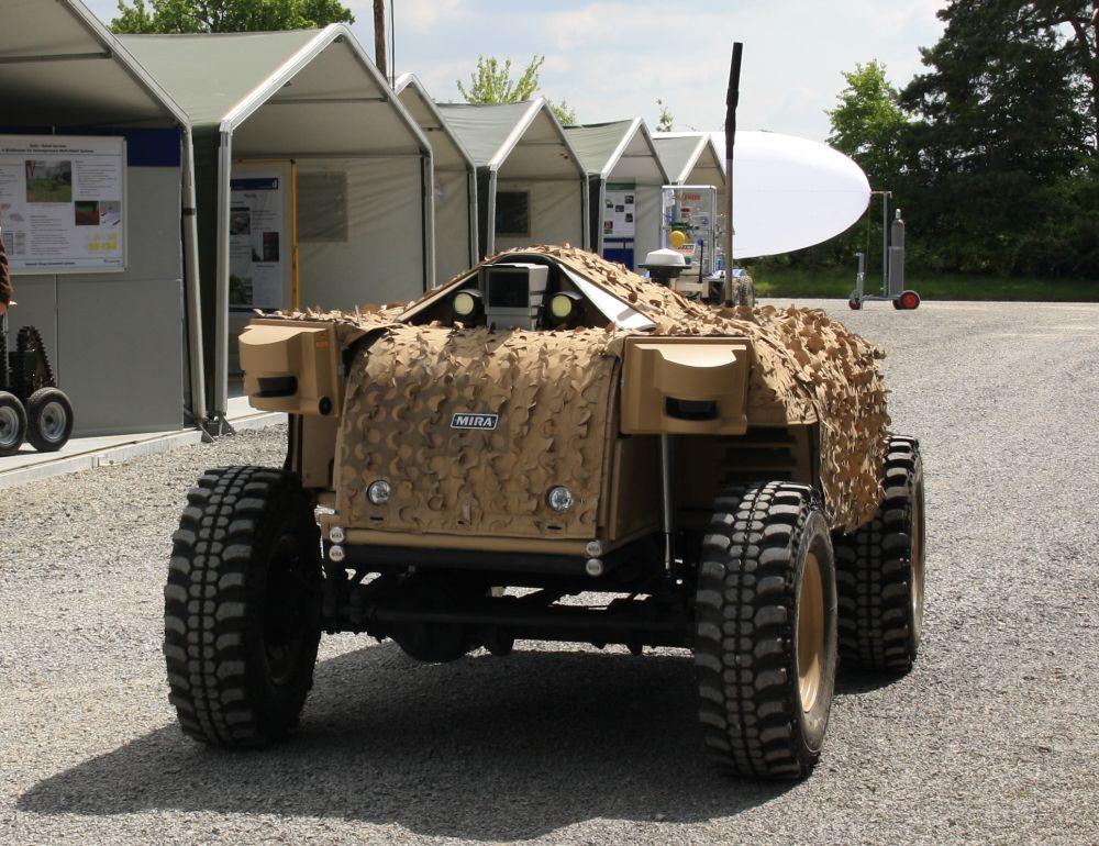 Unmanned Ground Vehicle (UGV) — GECKO und MACE 2 —UGVs