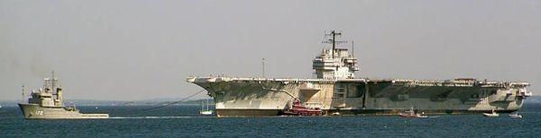 USA — Ausgemusterte Flugzeugträger FORRESTAL unternimmt wieder eine Seereise