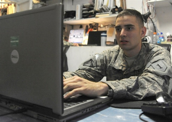Face of Defense: Petty Officer Maintains Team's Network