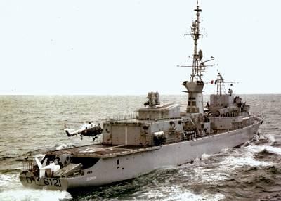 Frankreich — Fregatte TOURVILLE außer Dienst