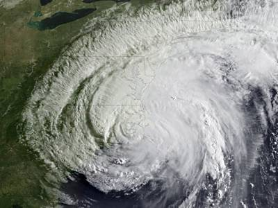 Marineforum - Irene trifft auf die US-Ostküste (Foto: NOAA)