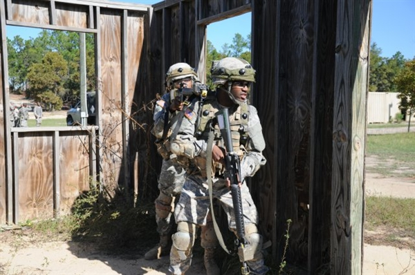 Face of Defense: Friends Become Army Brothers inArms