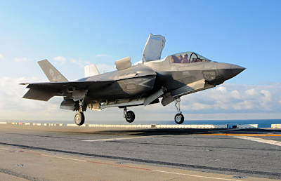 Marineforum - F-35V landet auf der WASP (Foto: US Navy)