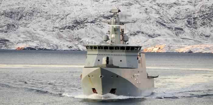 'Knud Rasmussen' vor Grönland (Foto: dän. Marine)